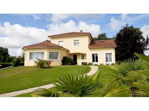 Fiche de présentation Maison à vendre de 230 m²  7 pièces à LIMOGES-ET-ENVIRONS