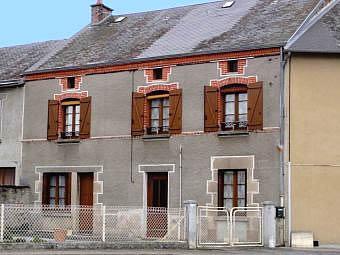 Fiche de présentation Maison de bourg à vendre de 150 m²  8 pièces à BERSAC-SUR-RIVALIER