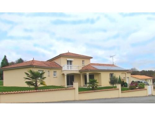 Fiche de présentation Maison à vendre de 148 m²  6 pièces à RILHAC-RANCON