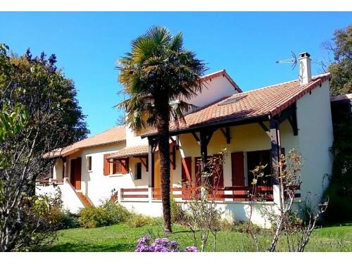 Fiche de présentation Maison à vendre de 210 m²  7 pièces à AMBAZAC