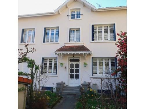 Photographie de maison à vendre de 100 m² avec 5 pièces à Limoges