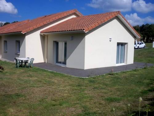 Fiche de présentation Maison récente à vendre de 90 m²  5 pièces à BONNAC-LA-COTE
