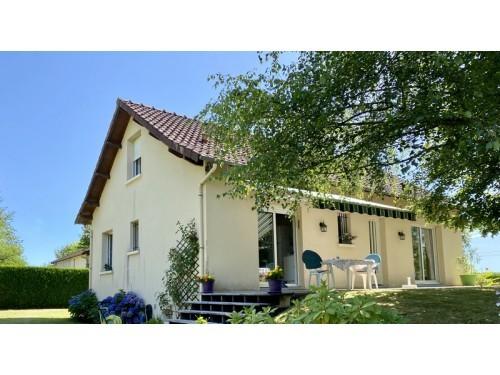 Fiche de présentation Maison à vendre de 130 m²  6 pièces à SAINT-PRIEST-TAURION