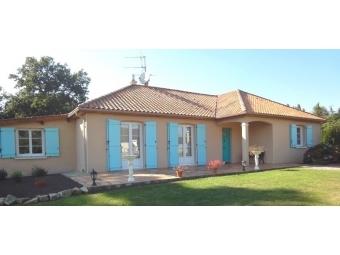 Fiche de présentation Maison à vendre de 150 m²  7 pièces à RILHAC-RANCON