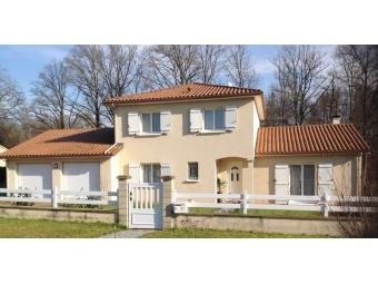 Fiche de présentation Maison à vendre de 140 m²  6 pièces à RILHAC-RANCON