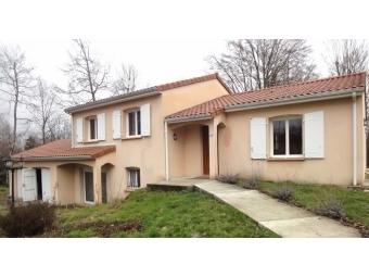 Fiche de présentation Maison à vendre de 132 m²  7 pièces à BONNAC-LA-COTE