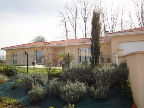 Fiche de présentation Maison à vendre de 155 m²  6 pièces à RILHAC-RANCON
