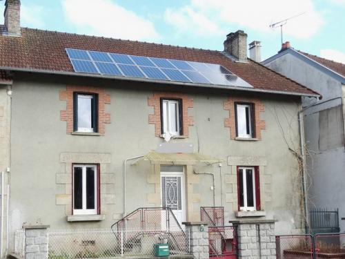 Fiche de présentation Maison de bourg à vendre de 140 m²  5 pièces à LA JONCHERE-SAINT-MAURICE